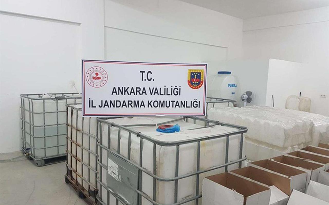 Ankara'da Sağlık Bakanlığı onayı olmayan 2 bin 500 litre dezenfektan ele geçirildi