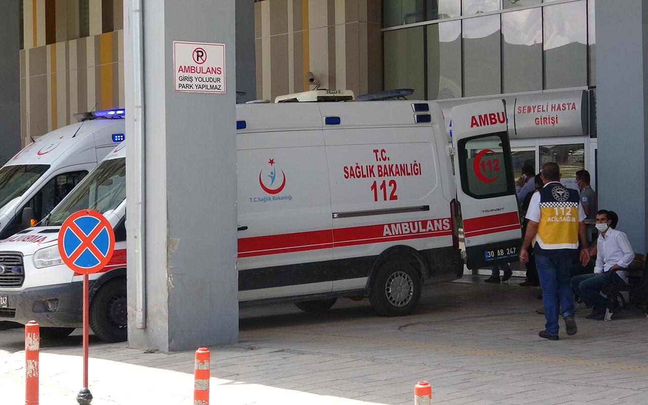 Yaralı halde getirildiği hastanede 6 kişiyi darp etti