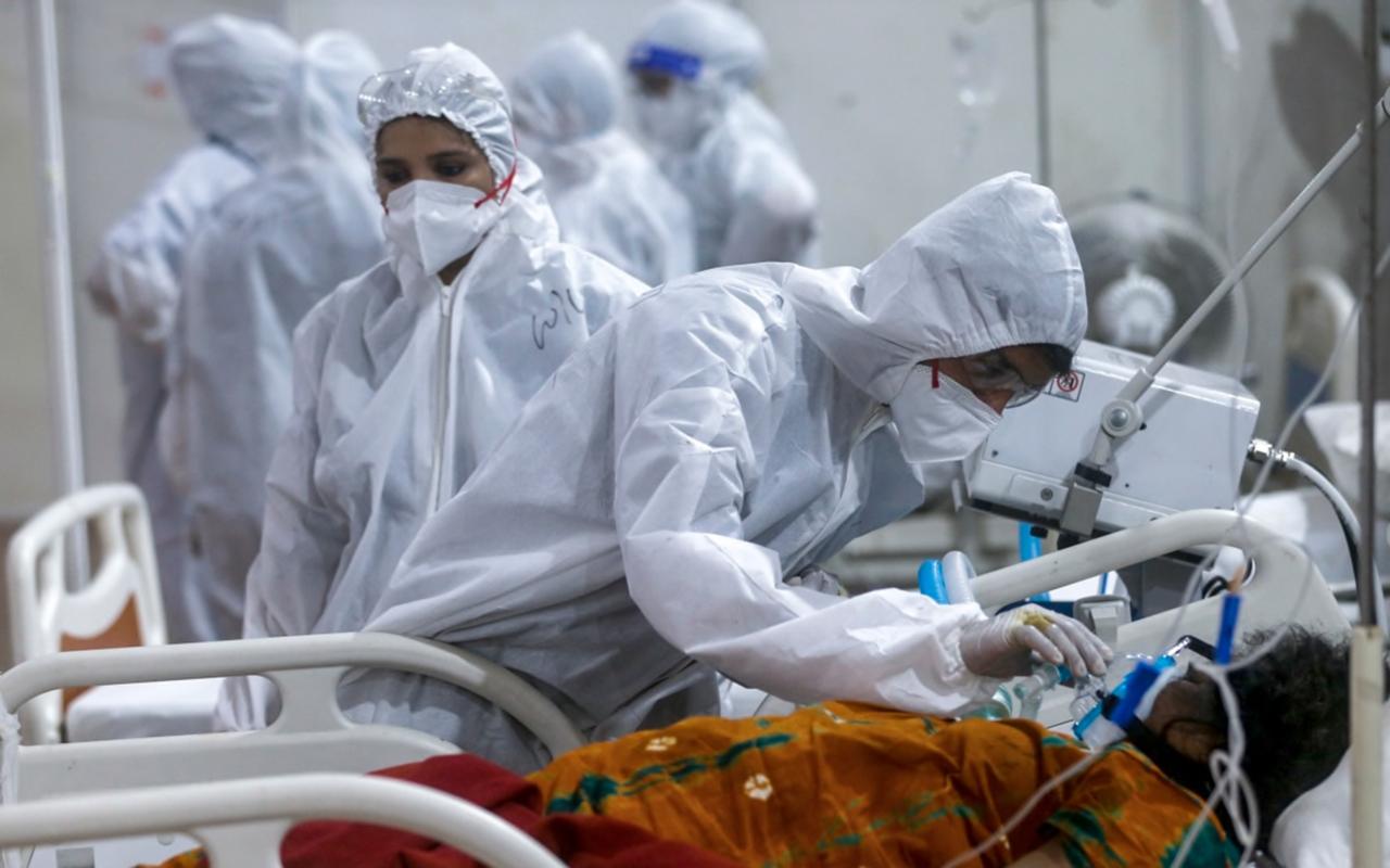 Hindistan'daki ikinci Covid-19 dalgasında 420 doktor yaşamını yitirdi