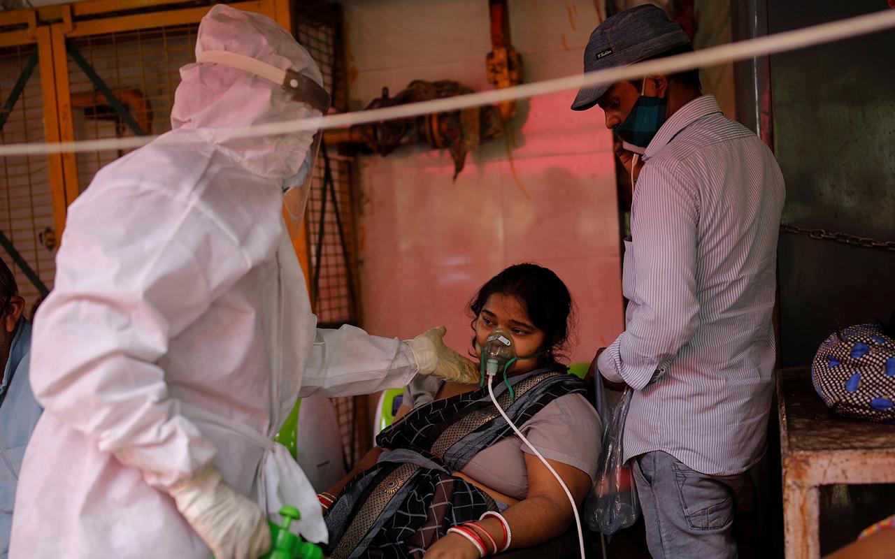 Hindistan'da vaka sayısı 14 Nisan'dan bu yana ilk kez 200 binin altına düştü