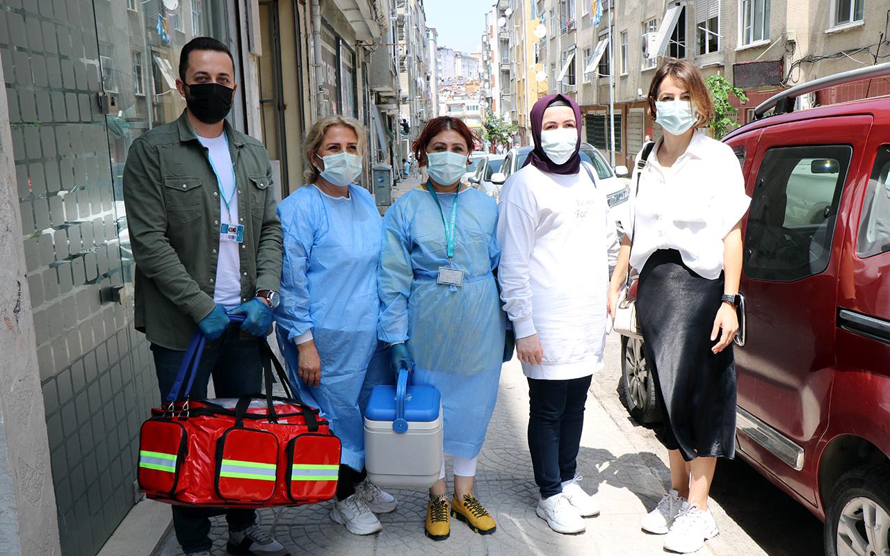 Aşı ikna ekipleri kapı kapı dolaşıp, vatandaşları aşı olmaya ikna ediyor