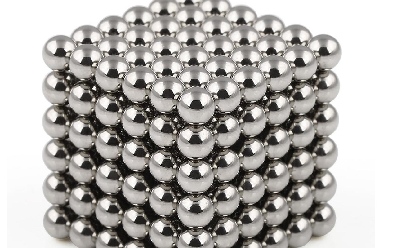 İngiltere'de mıknatıslı piercing uyarısı: Öldürücü bir trend