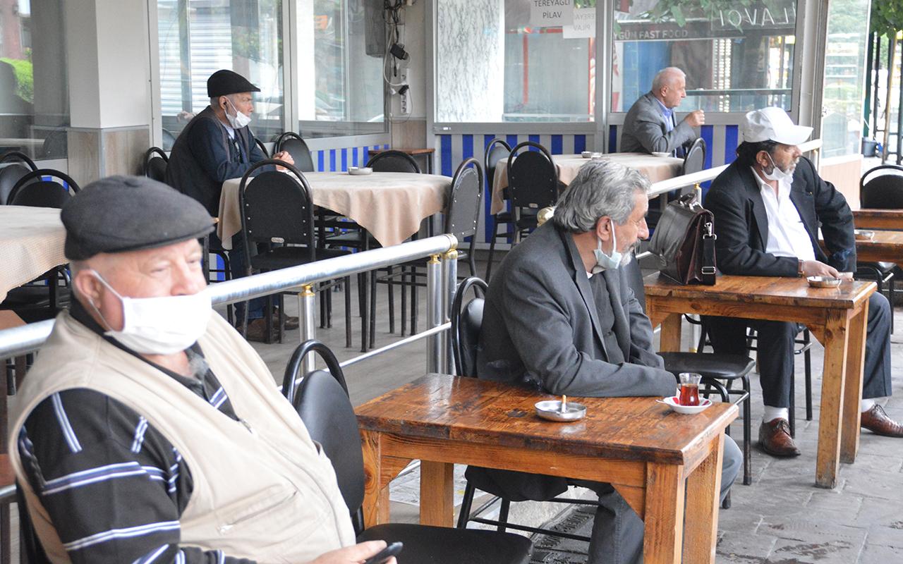 Kafe, kahvehane ve restoranlar bu sabah itibarıyla hizmet vermeye başladı
