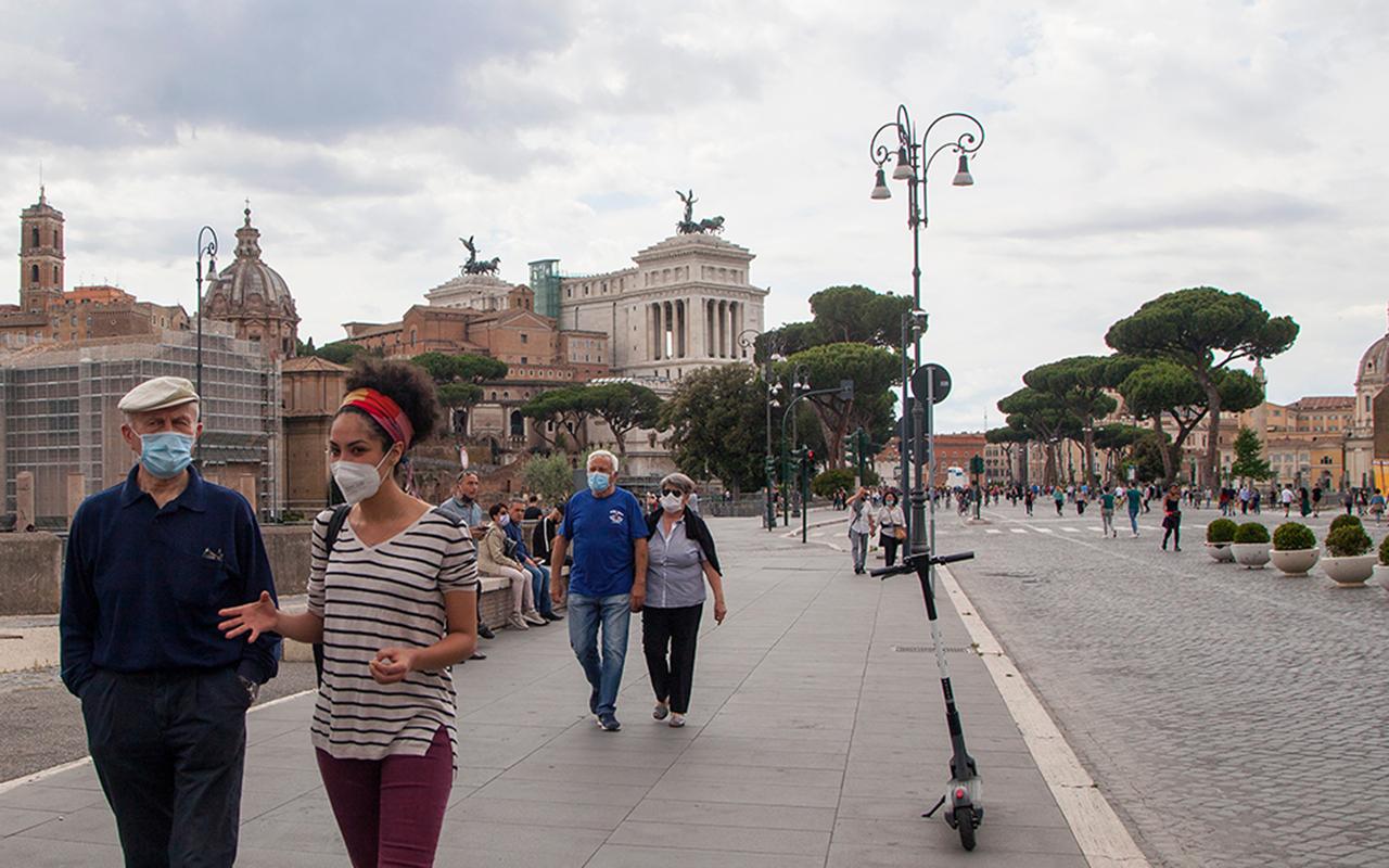 İtalya'da son 24 saatte 2 bin 557 yeni vaka tespit edildi