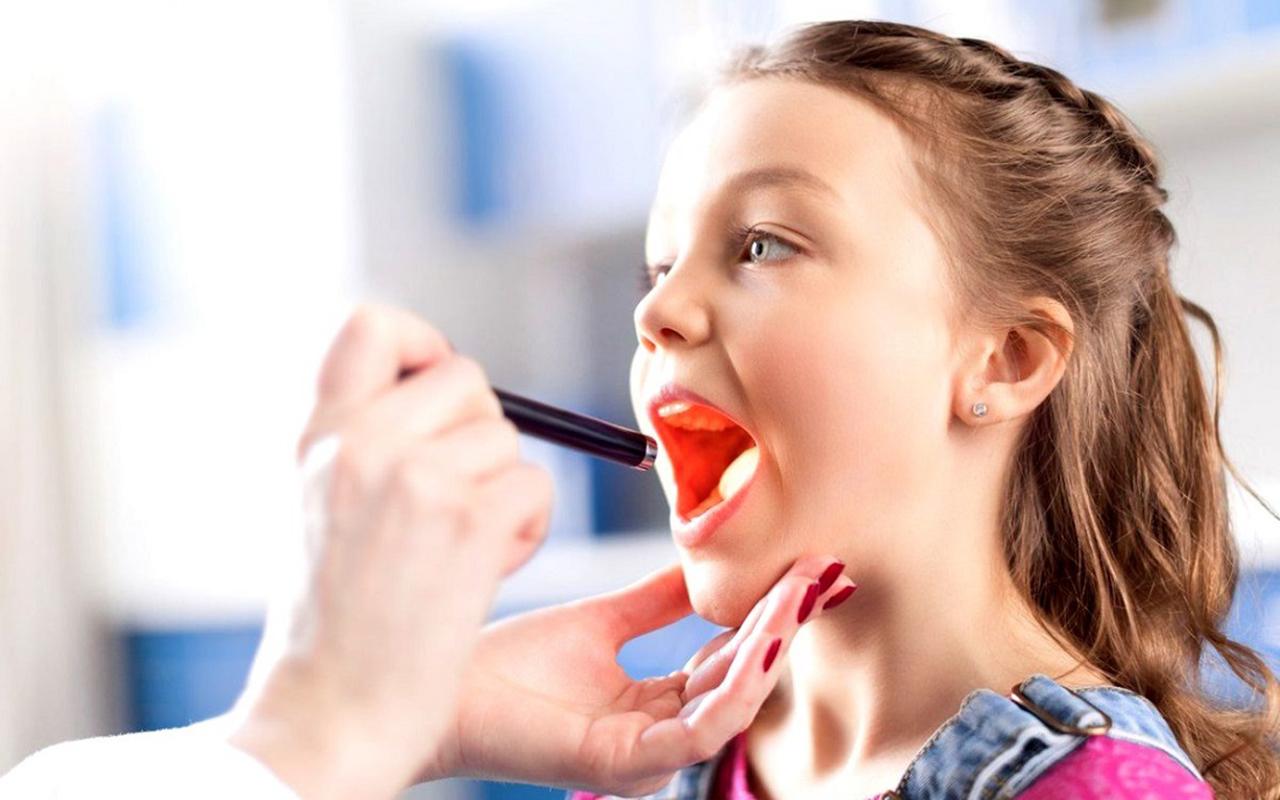 Geniz eti ameliyatı için çocuk büyüsün diye beklemek tedavi başarısını düşürüyor