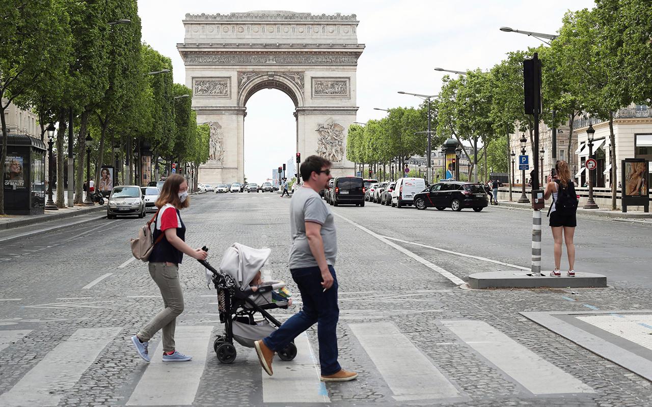 Fransa'da son 24 saatte 4 bin 475 yeni vaka