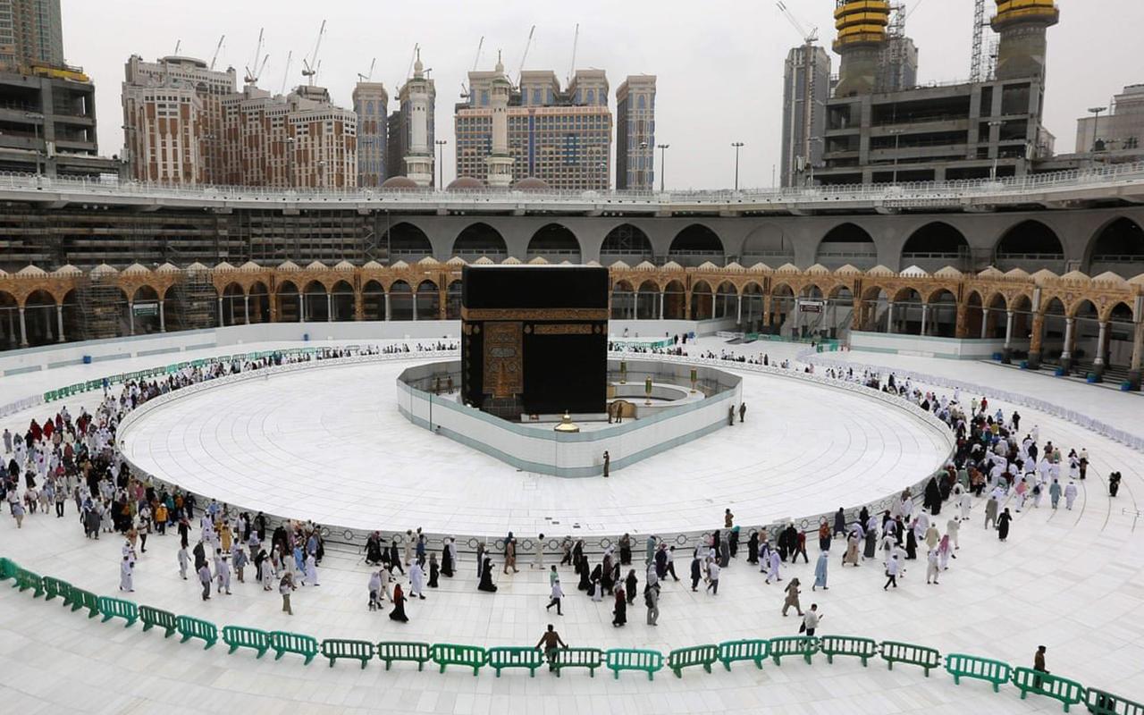 Suudi Arabistan'dan hac kararı: Yalnızca vatandaşlar ve oturma izni olanlar gidebilecek