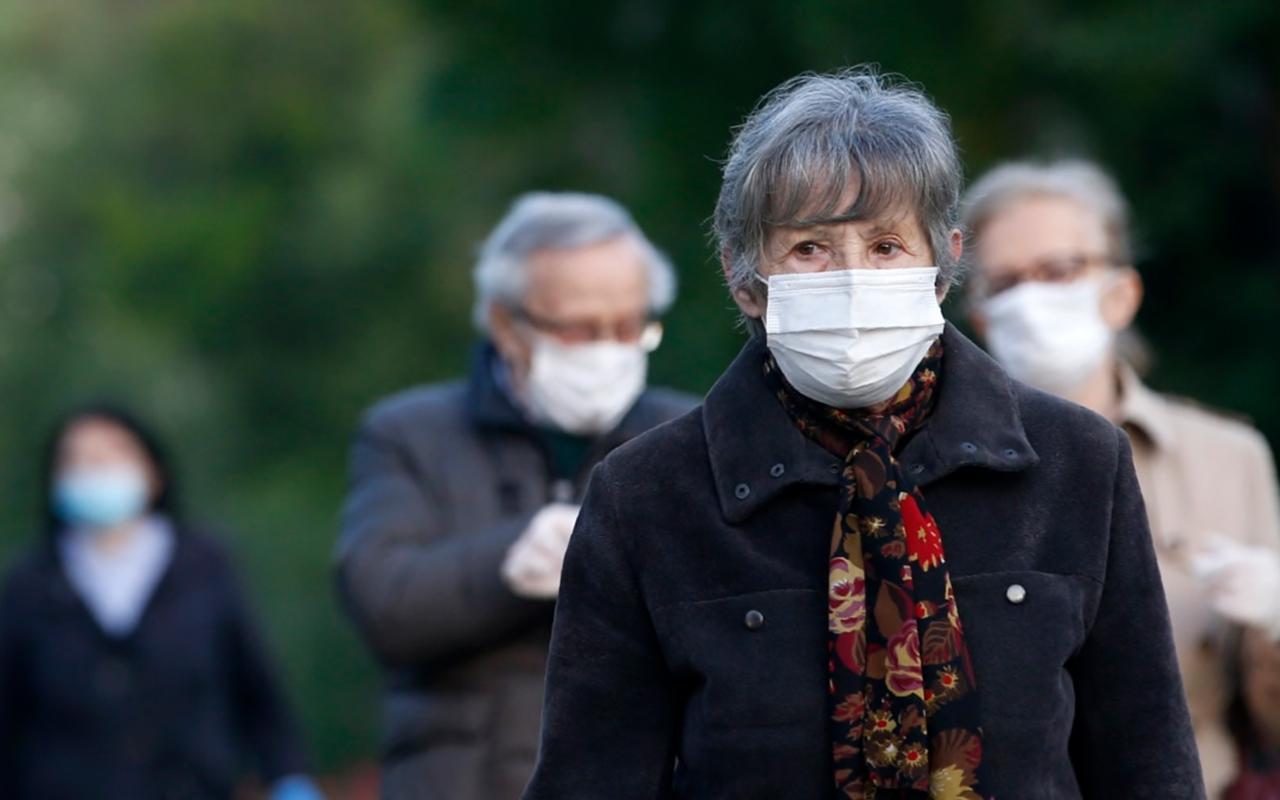 Almanya maske takma zorunluluğunu tartışıyor
