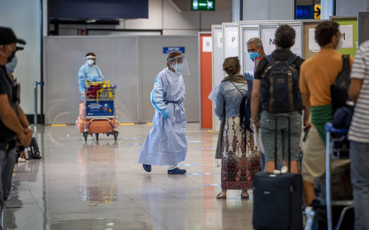 İtalya'dan Delta varyantı açıklaması: İngiltere'den gelen yolculara yeniden karantina uygulanabilir