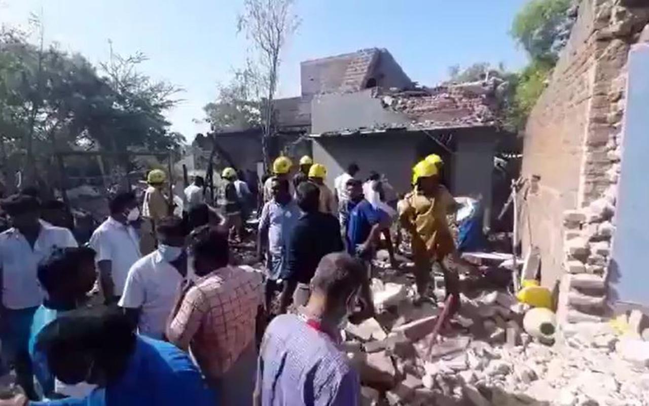 Hindistan'da havai fişek fabrikasında patlama: 3 ölü, 2 yaralı