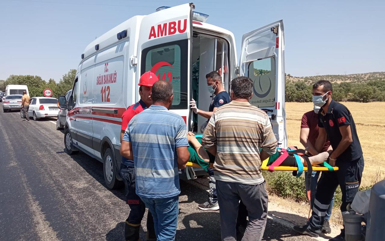 Mardin'de araç şarampole yuvarlandı: 1'i ağır, 4 yaralı
