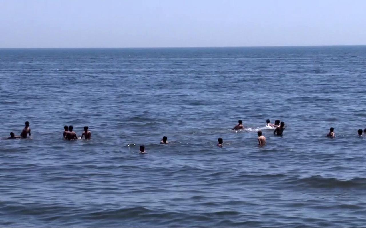 Son hafta sonu kısıtlamasında kısıtlamaya aldırmadılar, denize girdiler