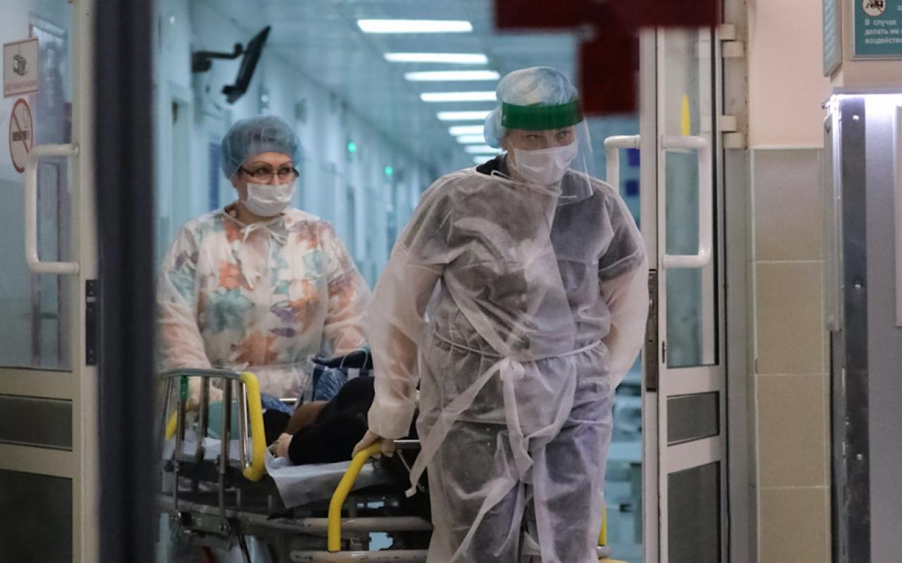Rusya'da salgında art arda 2. günde rekor: Son 24 saatte 669 can kaybı