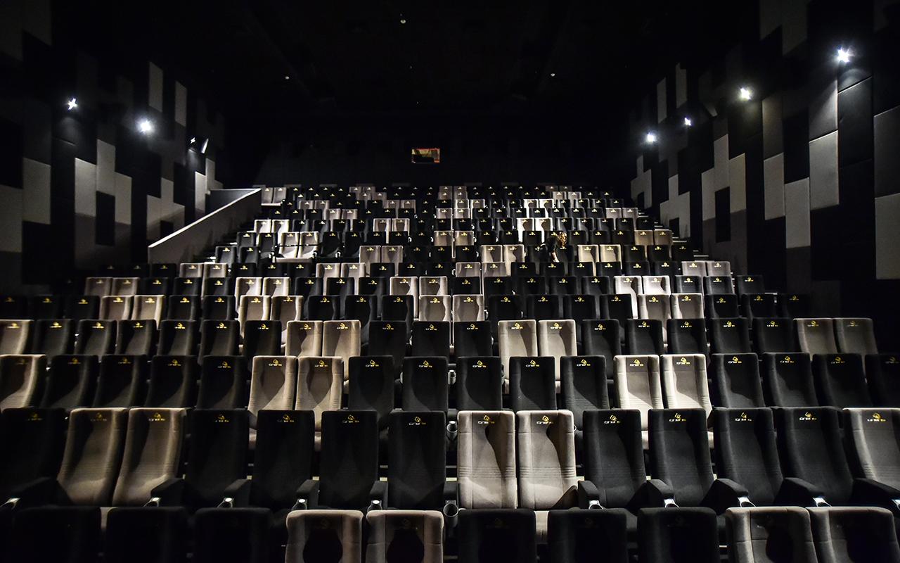 Beyaz perde vizyona girecek yeni filmlerle yarın açılıyor