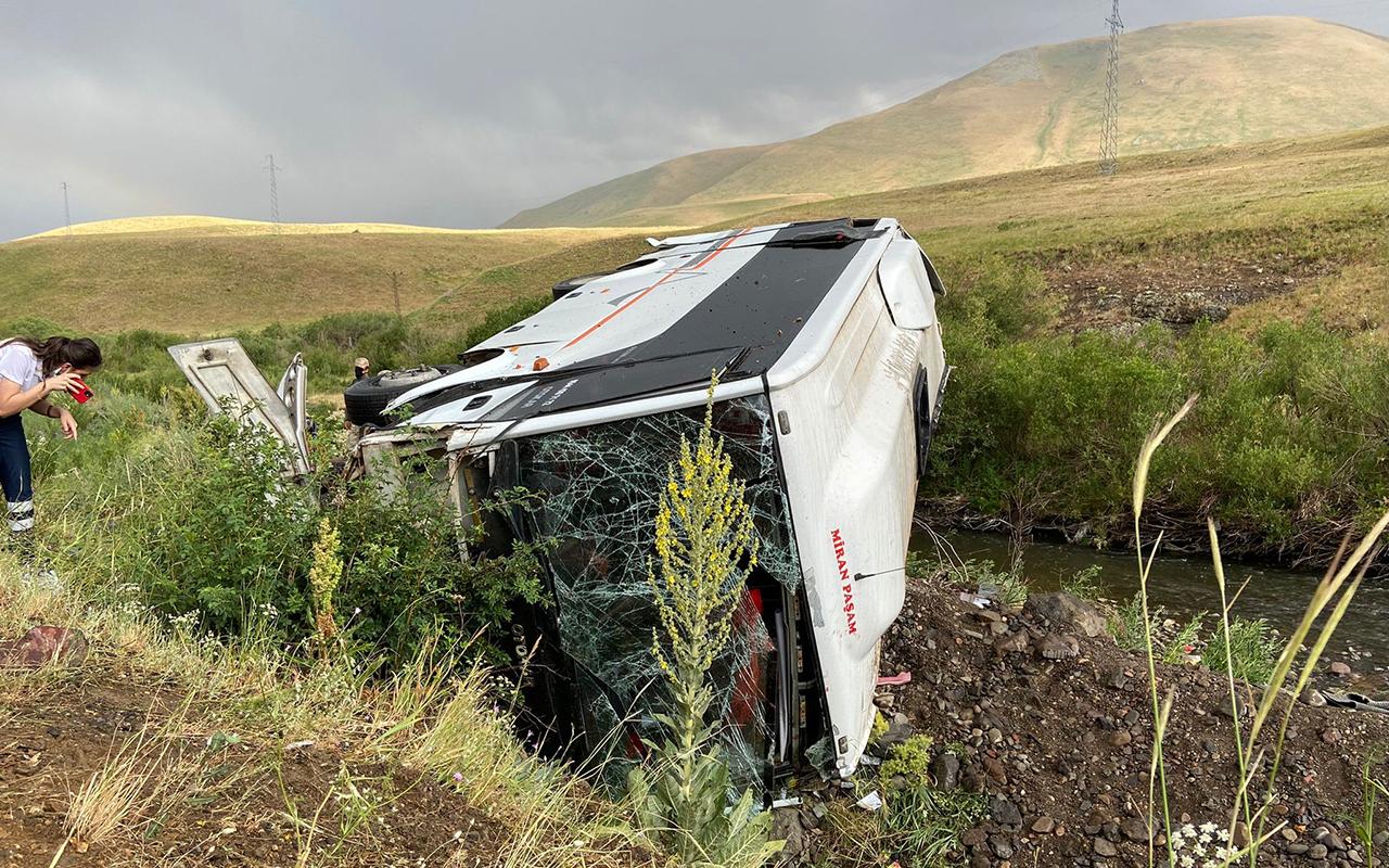 Ağrı'da yolcu otobüsü devrildi: 27 yaralı