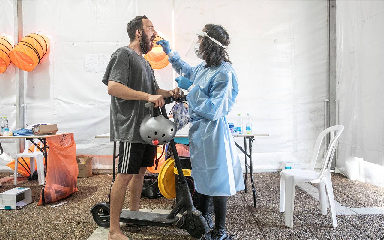 İsrail'de aşı olanların yarısına Delta varyantı bulaştı