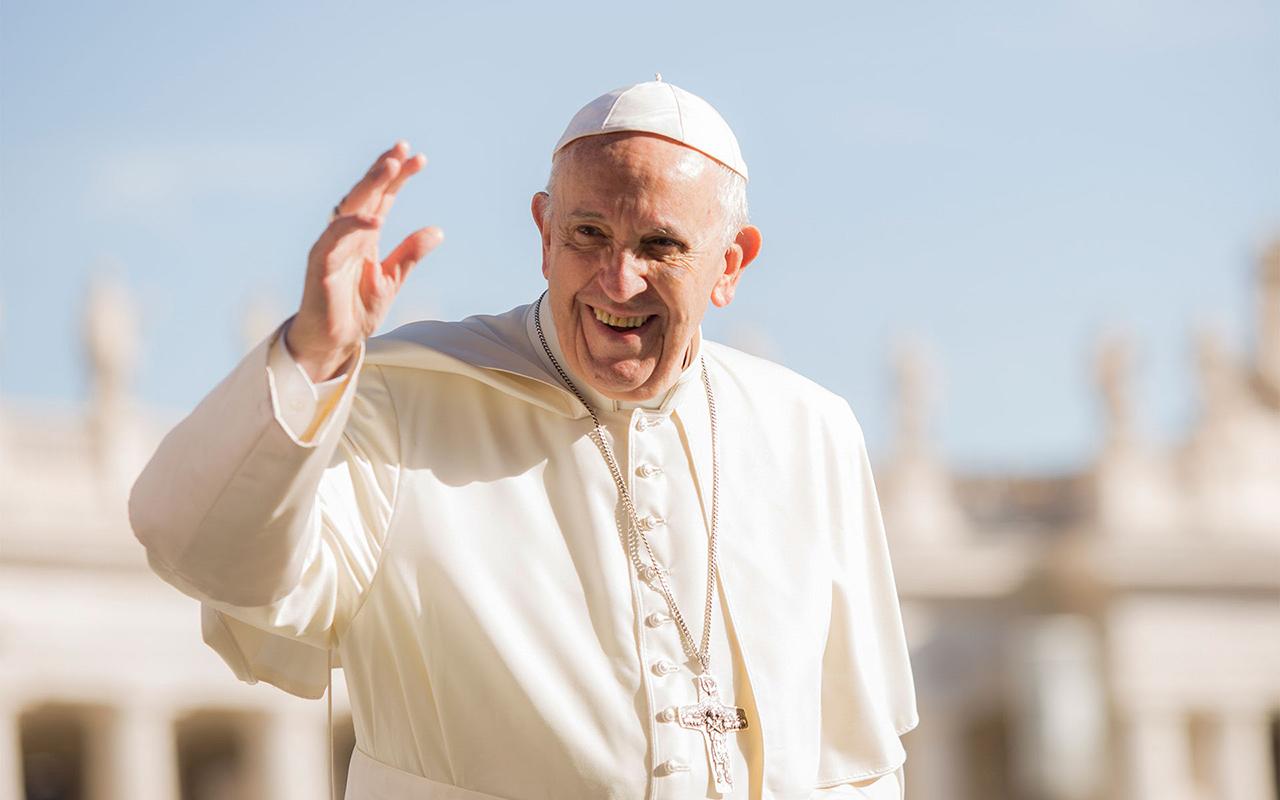 Vatikan'dan Papa açıklaması: Sağlık durumu iyi