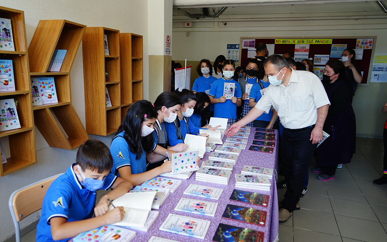 Öğrenciler, pandemide yaşadıklarını kitap haline getirdi