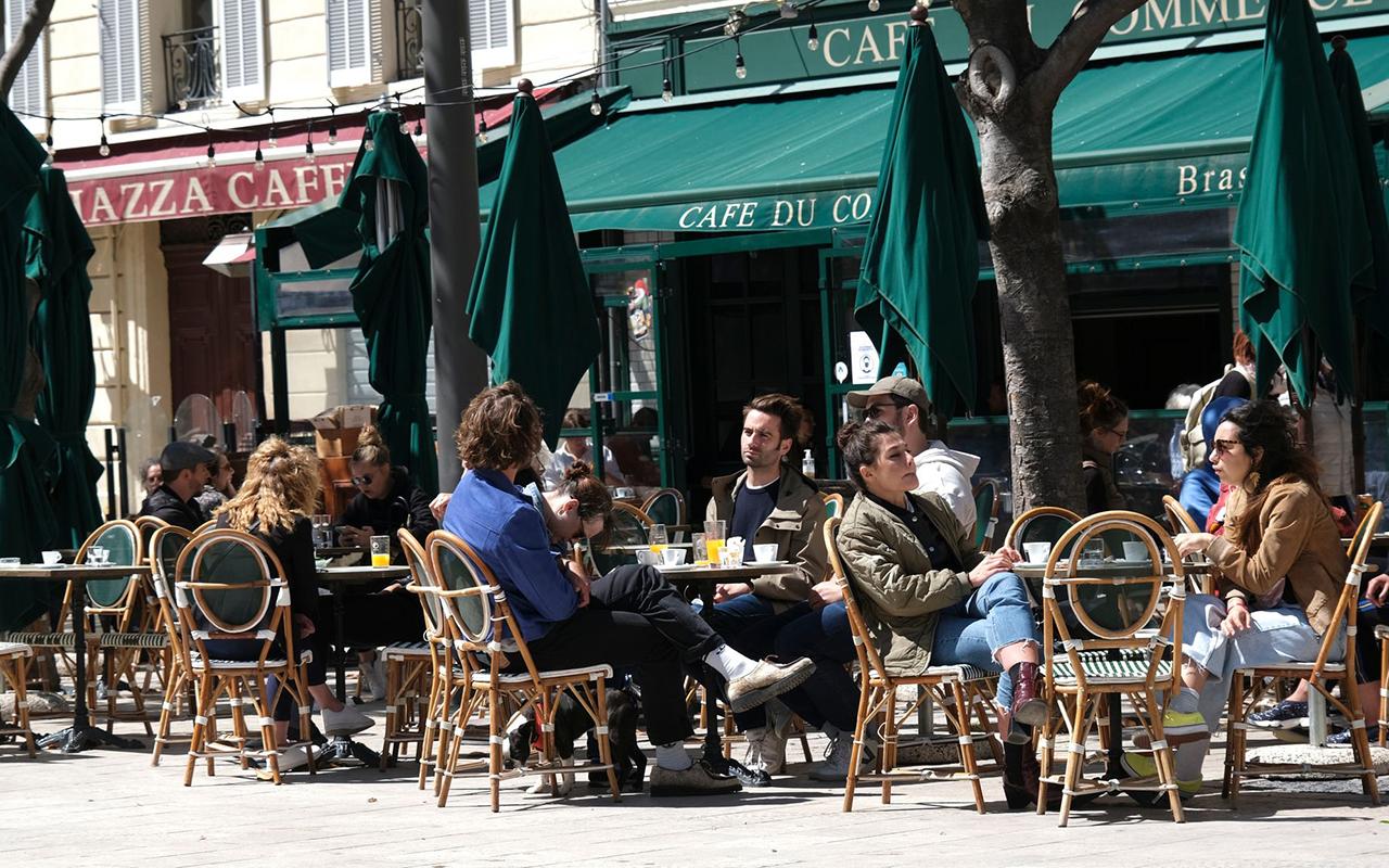 Fransa'da son 24 saatte 4 bin 442 yeni vaka