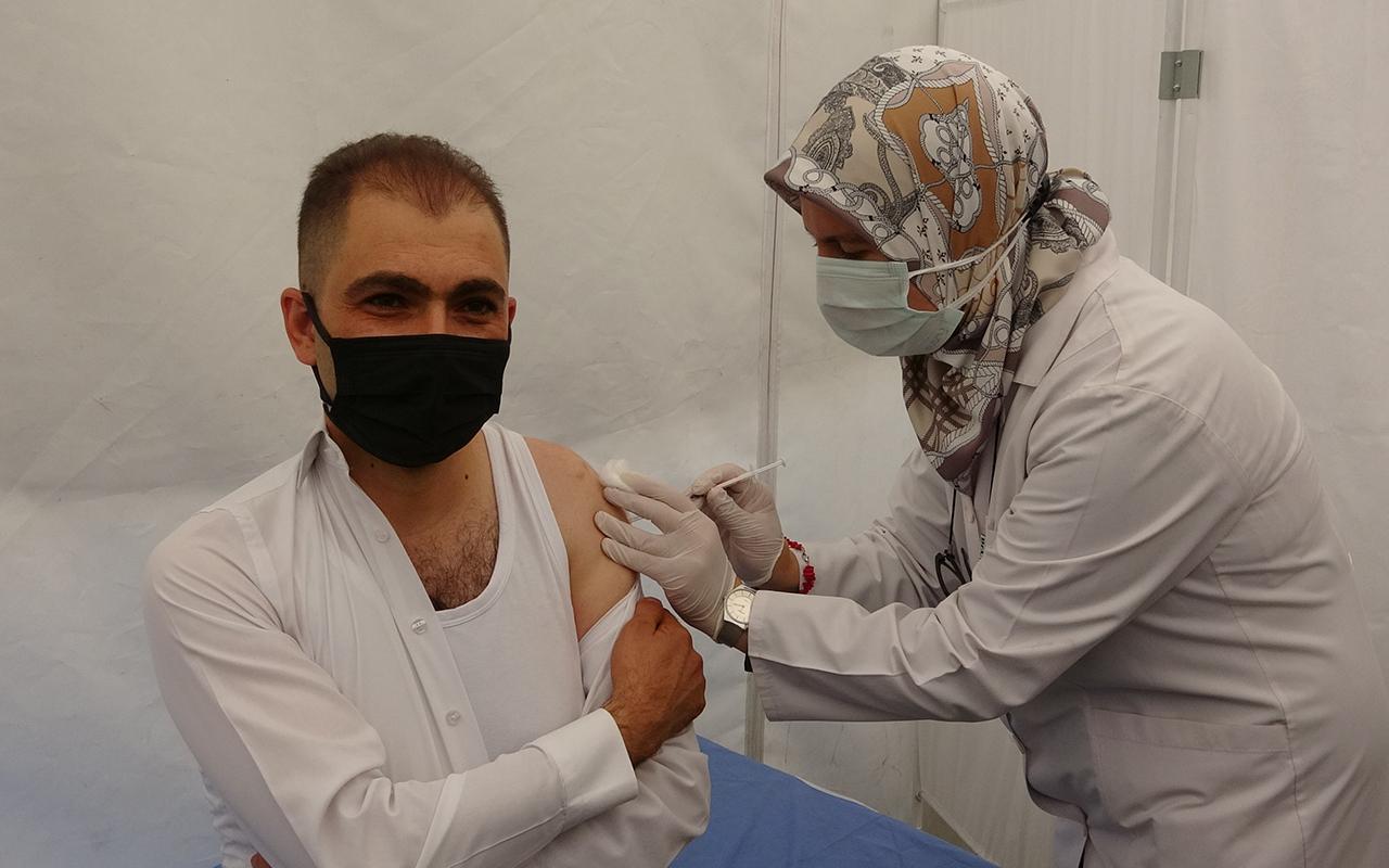 Aşı fobisi olan turizmci ilk kez aşı oldu