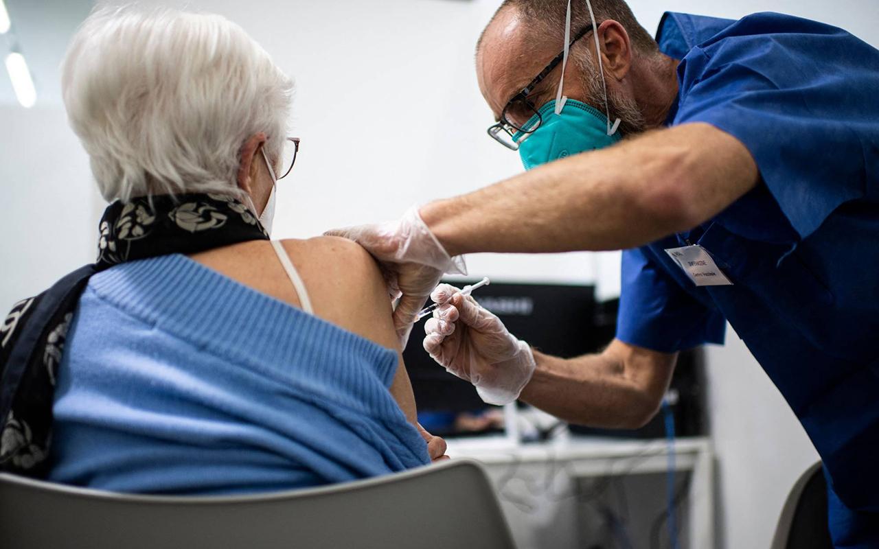 Açıkhava düğününde aşı olanlara Delta varyantı bulaştı: Pfizer/BioNTech olan kurtuldu
