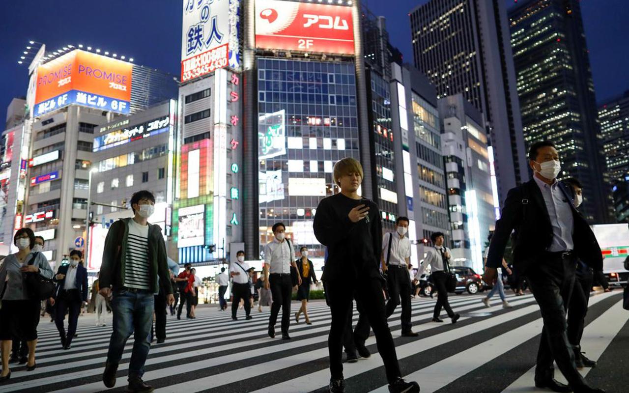 Japonya'dan yeni korona virüs önlemi: Kurallara uymayanlar ifşa ediliyor