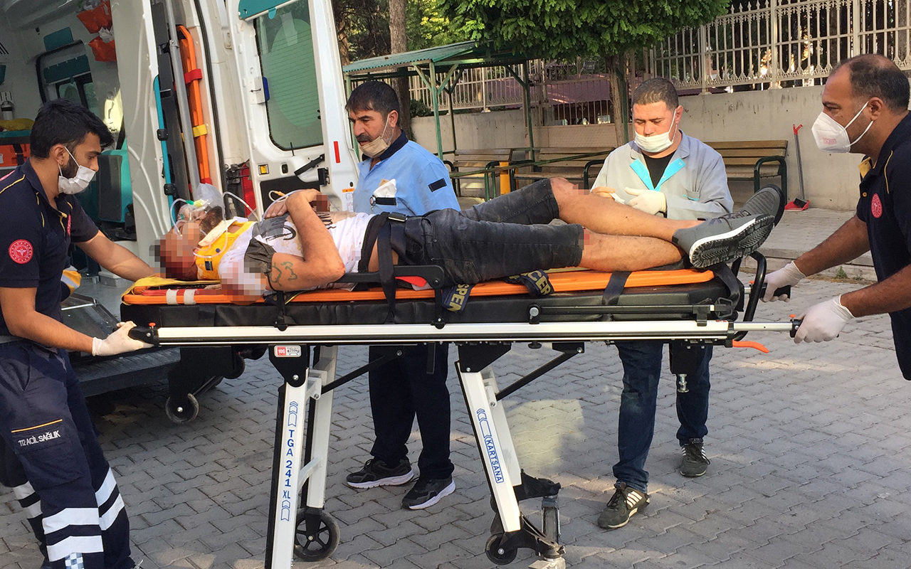 Önündeki otomobile çarpıp taklalar attı: 4 yaralı