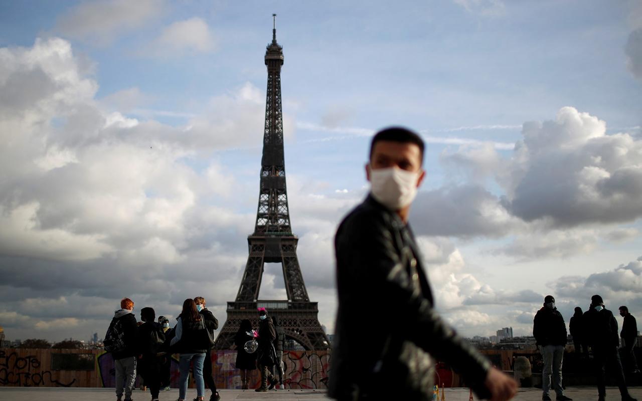 Fransa'da son 24 saatte 30 bin 920 yeni vaka