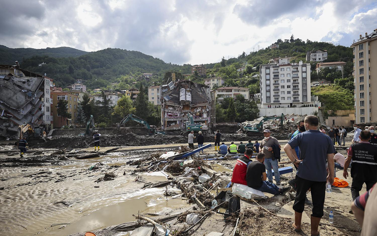 Karadeniz'de sel felaketi: Can kaybı 44'e yükseldi