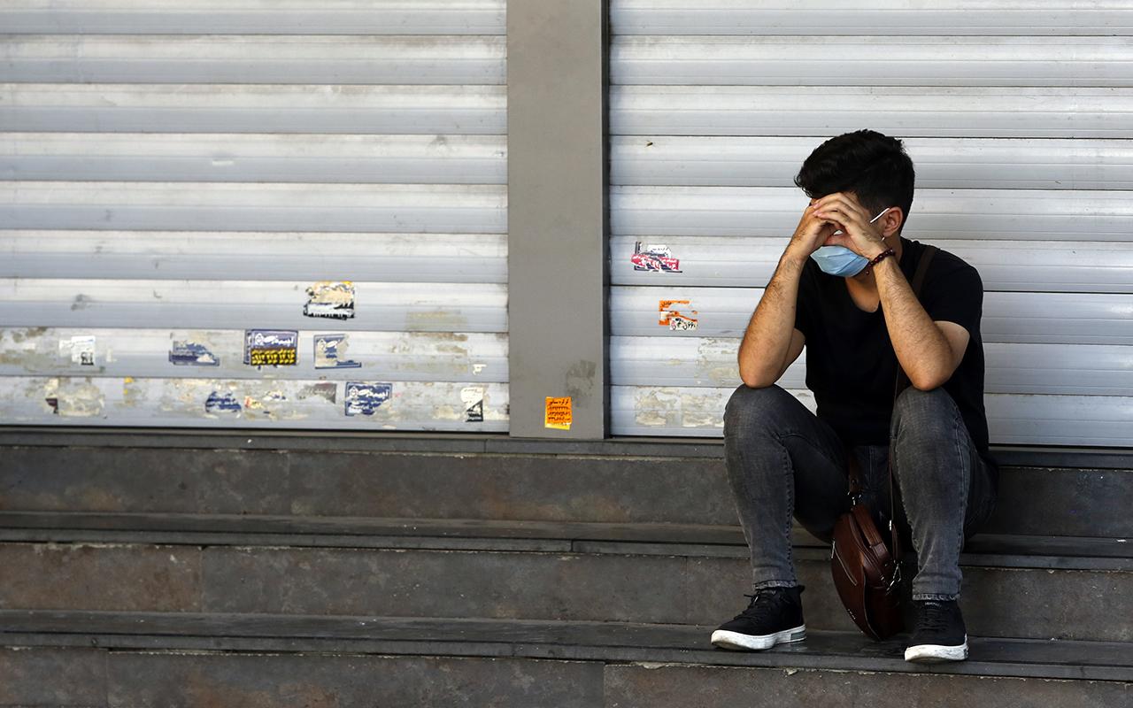 İran'da artan vakalar 6 günlük kapanma getirdi