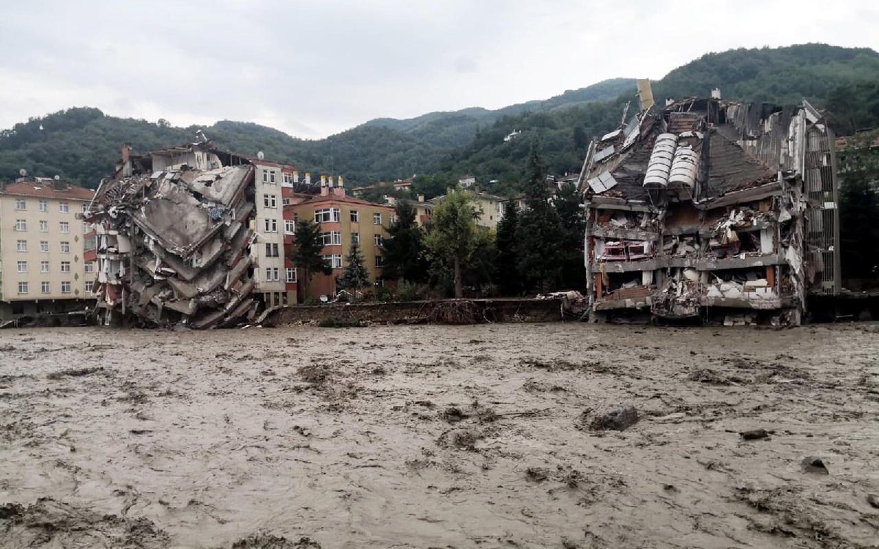 AFAD: Sel felaketinde can kaybı 57'ye yükseldi