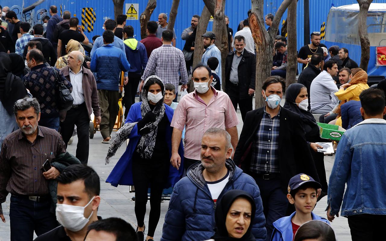 İran'da son 24 saatte Covid-19'dan 620 can kaybı kaydedildi