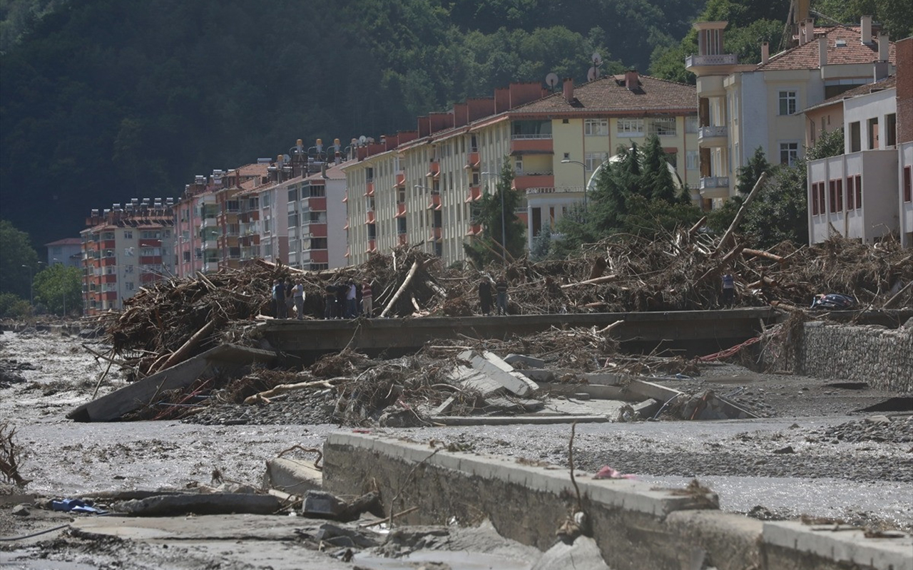 AFAD: Sel felaketinde can kaybı 70'e yükseldi