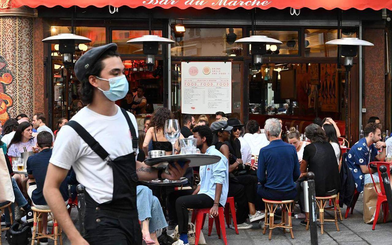 Fransa'da son 24 saatte 28 bin 114 yeni vaka tespit edildi