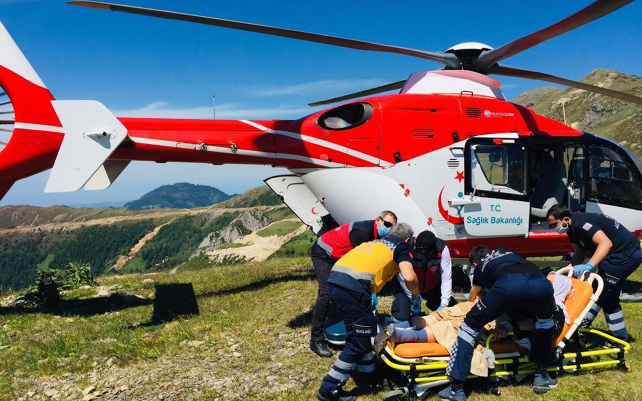 Türkiye'nin en zor coğrafyasında uçuş yaparak hastaların imdadına yetişiyorlar