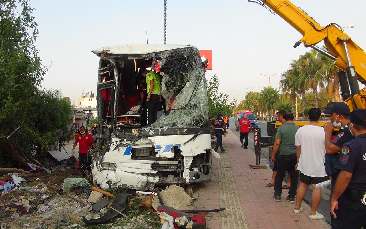 Mersin'de otobüs şarampole yuvarlandı: 33 yaralı