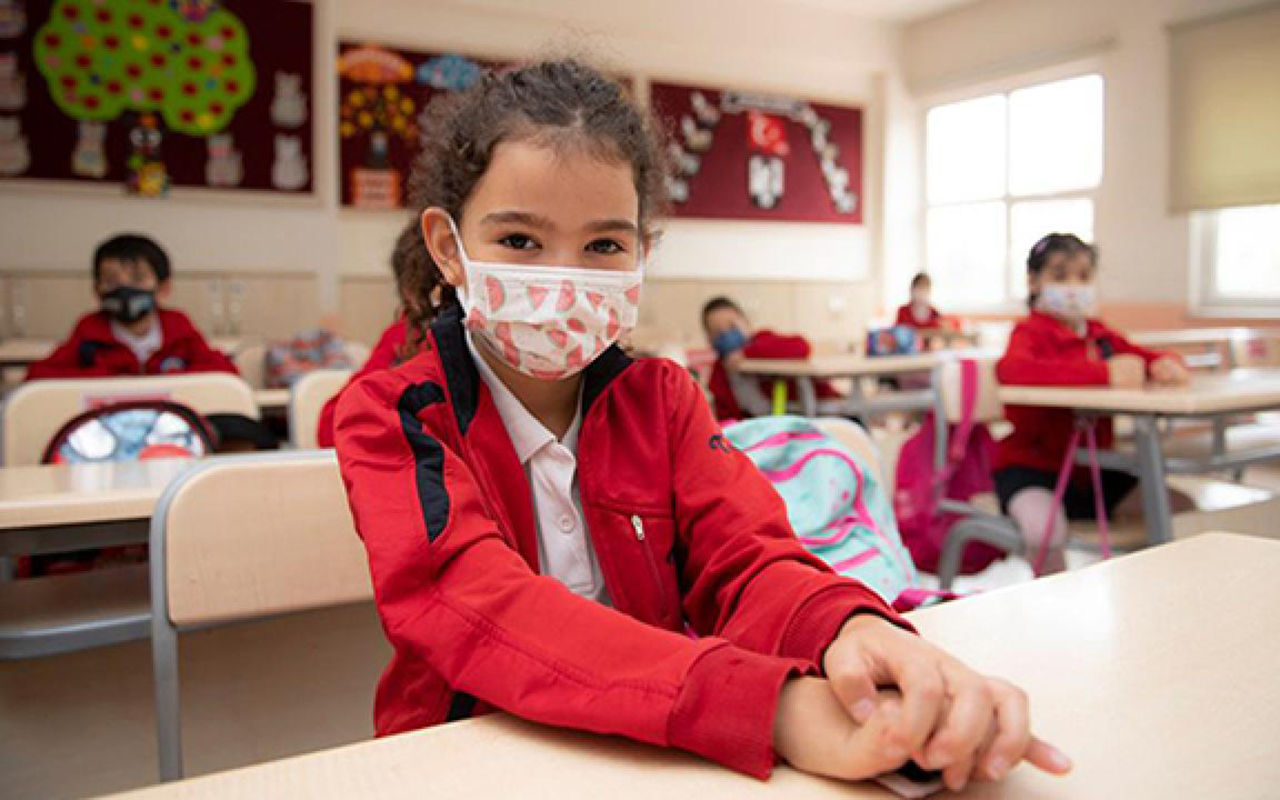 Bilim Kurulu üyesi Özkan'dan velilere semptom takibi uyarısı