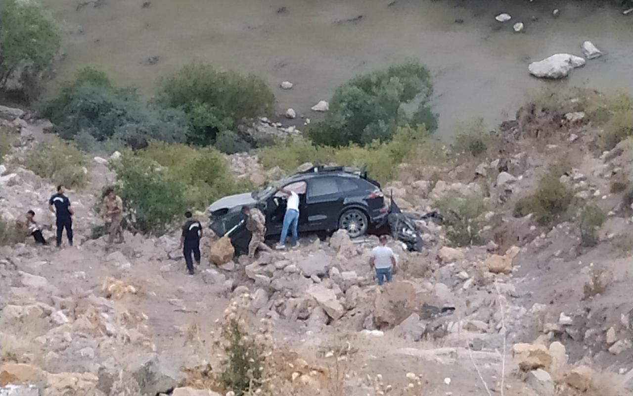 Fransa'dan Erzurum'a tatile gelen kadın trafik kazasında hayatını kaybetti
