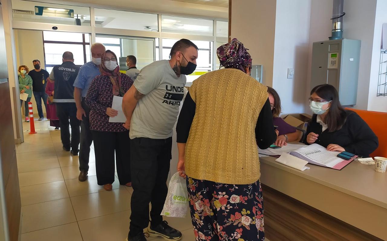 PCR kararının ardından aşı yaptırmak için hastanelere akın ettiler