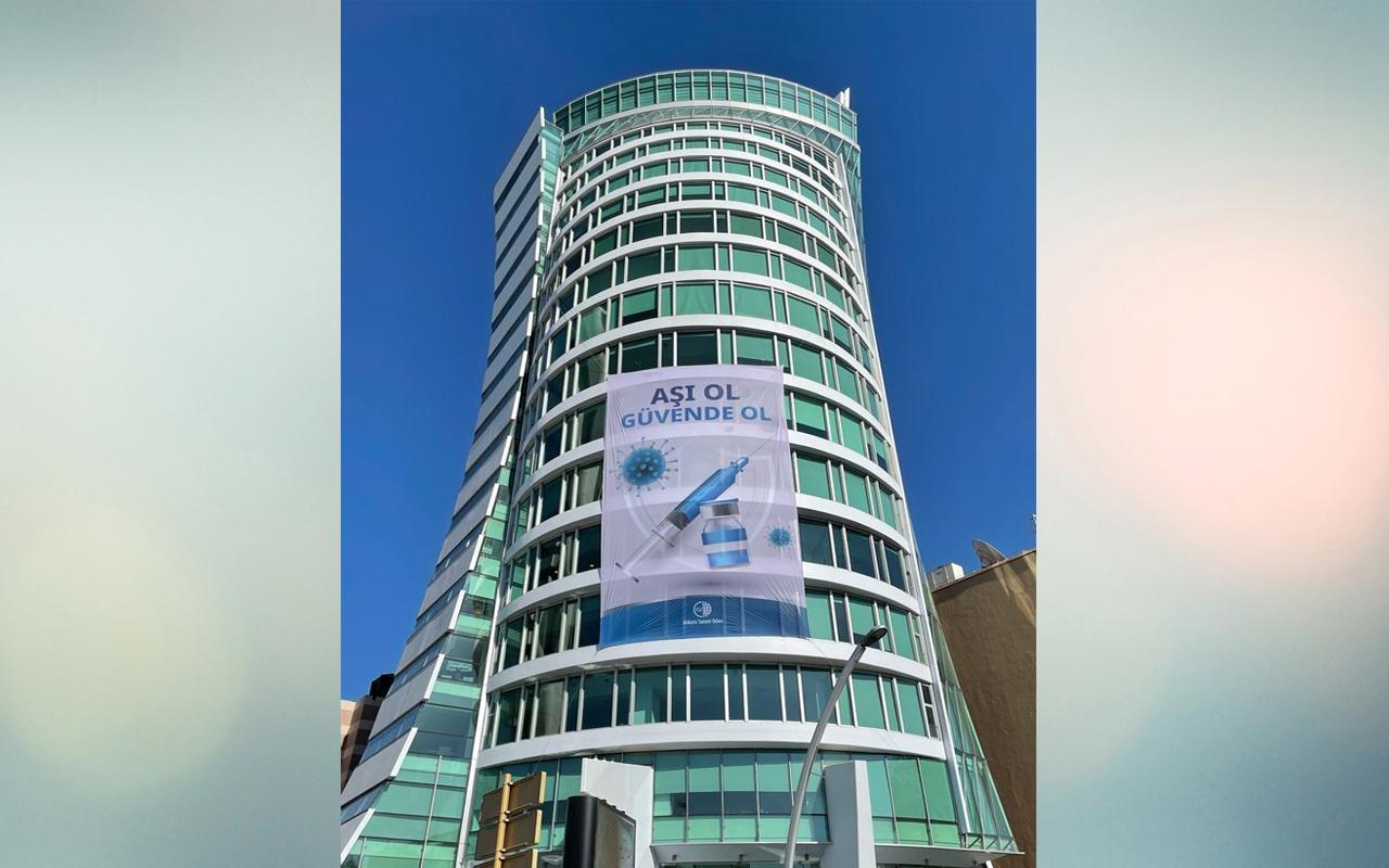 Ankara Sanayi Odasından 135 metrekarelik pankart ile aşı ol çağrısı