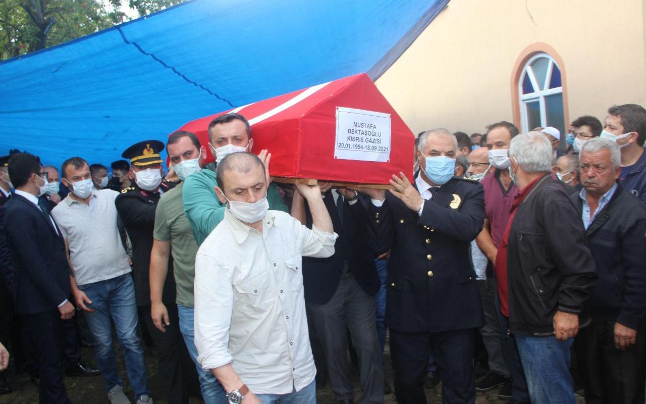 Ceviz ağacından düşen gazi, Gaziler Günü'nde toprağa verildi