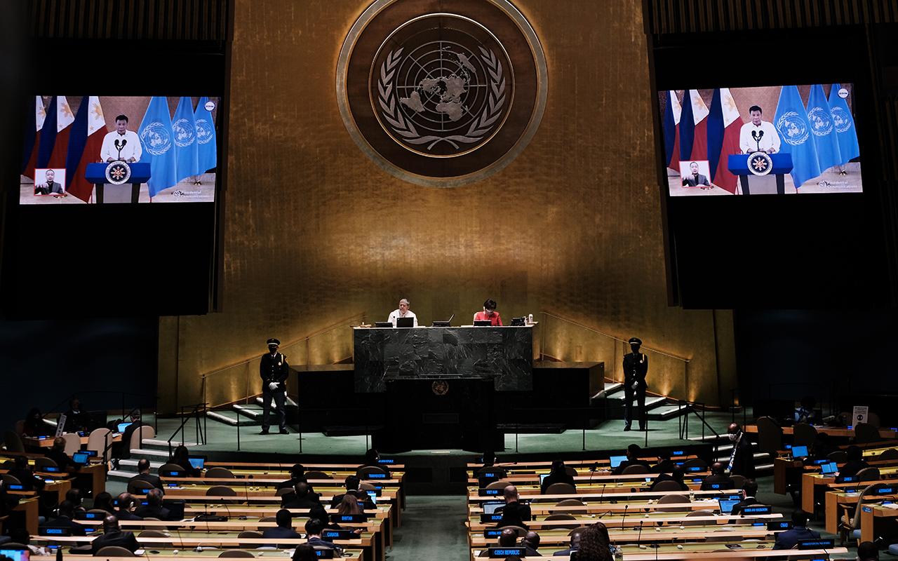 Filipinler Devlet Başkanı Duterte'den zengin ülkelere aşı tepkisi
