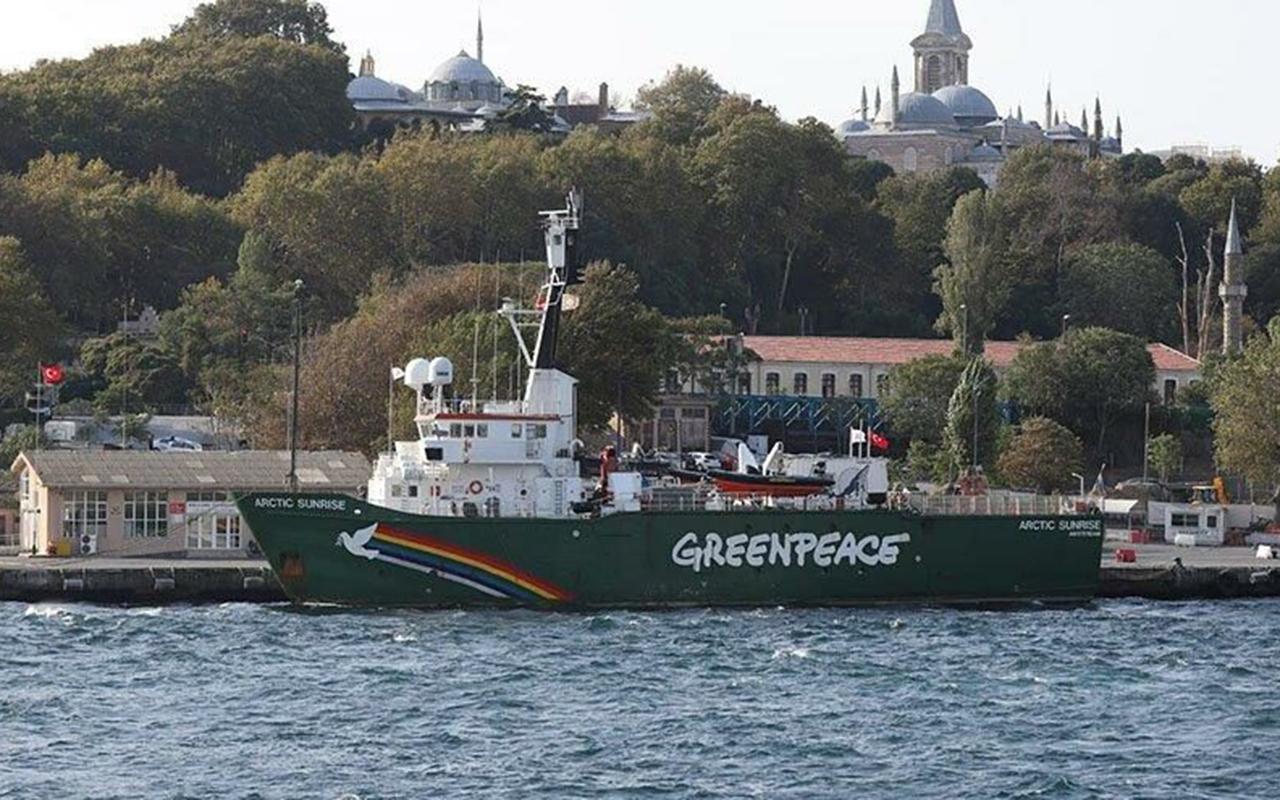 Greenpeace gemisi müsilaj için İstanbul'a geldi