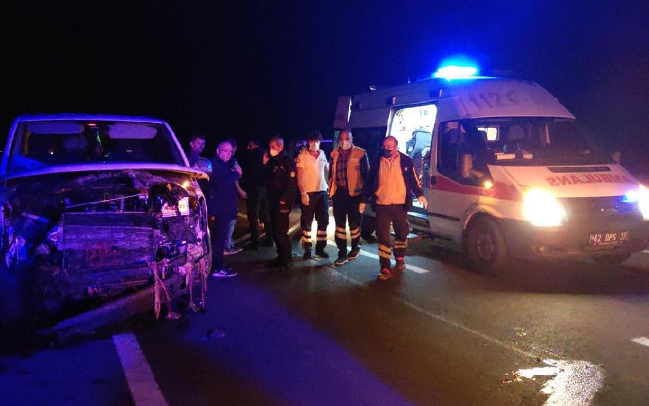 Minibüs sürüye daldı: 7 kişi yaralandı, 34 küçükbaş hayvan öldü