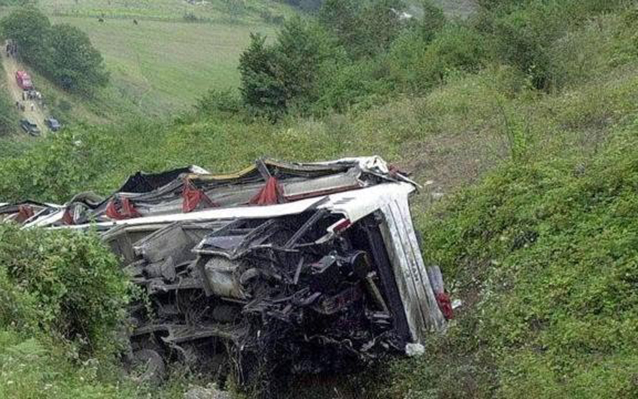 Nepal'de otobüs kazası: 25 ölü