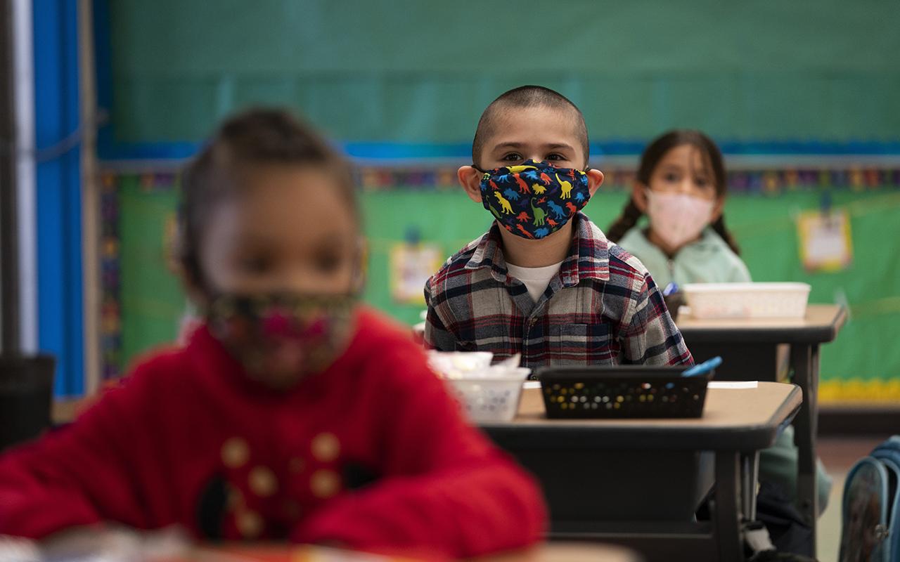 Okulda çocukları Covid-19 olan ebeveynler dava açtı